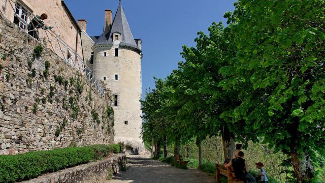 Sainte-Suzanne - Chemin de ronde