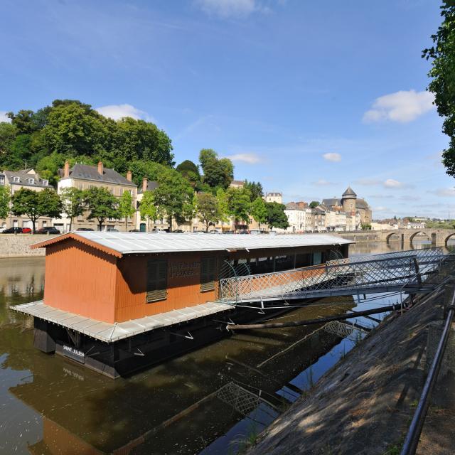 Bateau Lavoir Saint Julien Laval