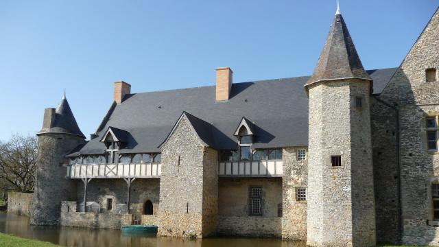 Château de La Grande Courbe à Brée