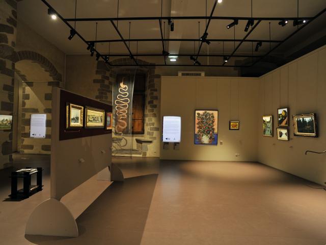 Salle d'exposition des tableaux du Douanier Rousseau