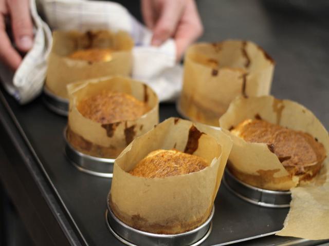 Atelier Cuisine Restaurant Le Beyel à Origné - Soufflet de parmentier de canard et tomme d entrammes