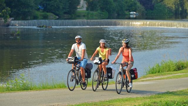 Randonnée à vélo à Montgiroux - Vallée de la Mayenne