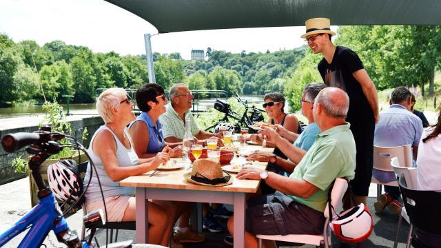 Restaurant le Beyel - écluse de la Benatre à Origné