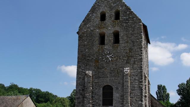 Eglise Romane - Saint Pierre Sur Erve