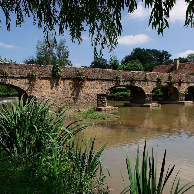 Pont - Saint Pierre Sur Erve