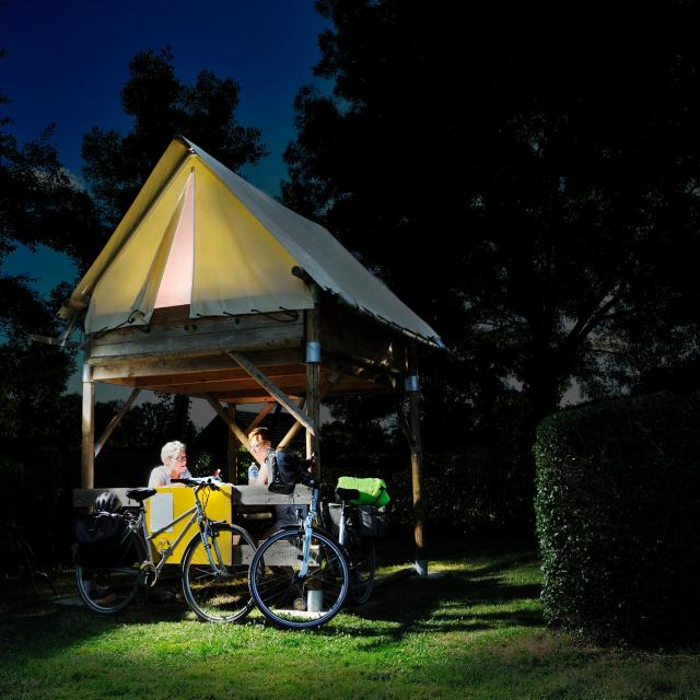 Tente Bivouac Saint Jean Sur Mayenne